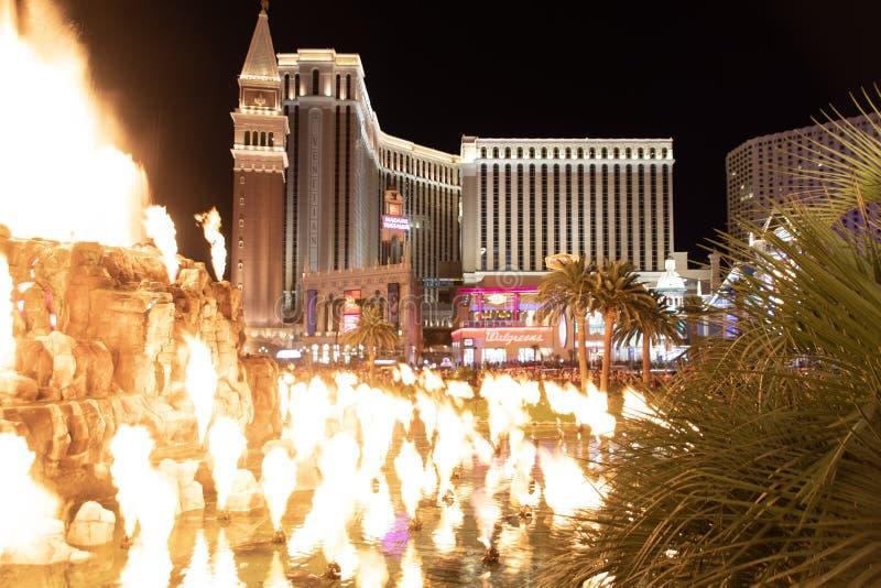 Las Vegas NV, USA 09032018: nattsikt av det Venetian från hägringvulkan royaltyfria foton