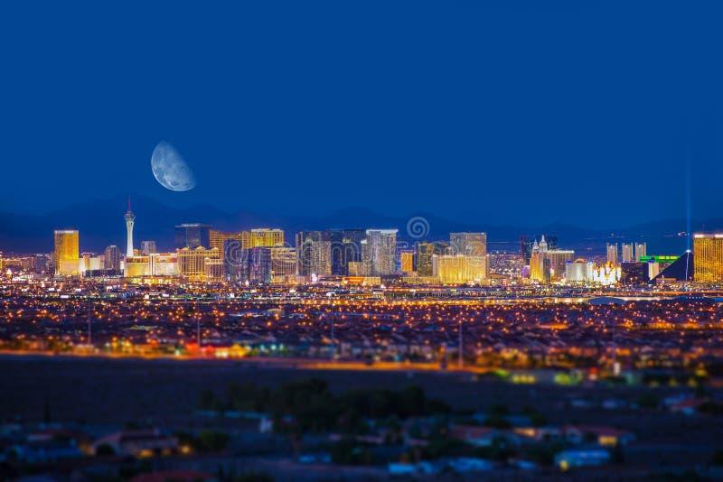 Las Vegas remsa och måne royaltyfria foton