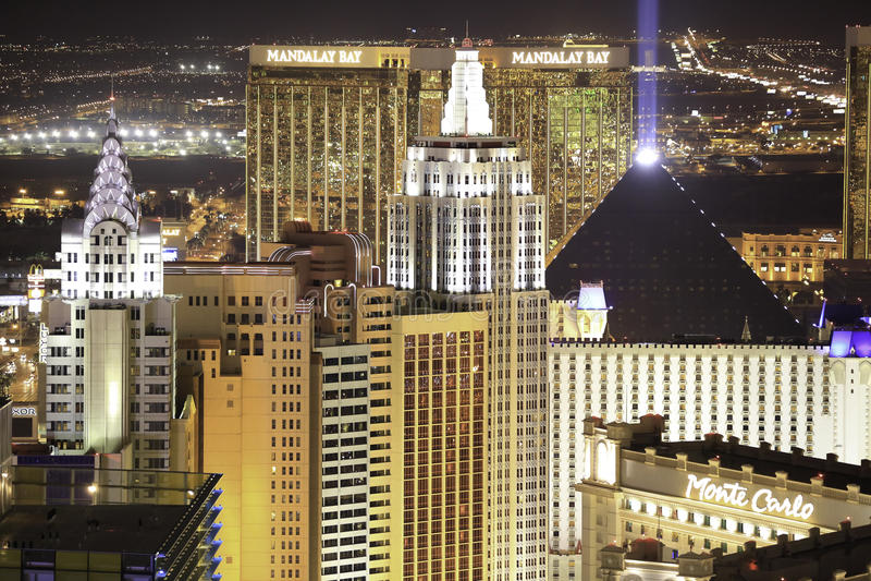 Las Vegas-Skyline nachts lizenzfreies stockbild