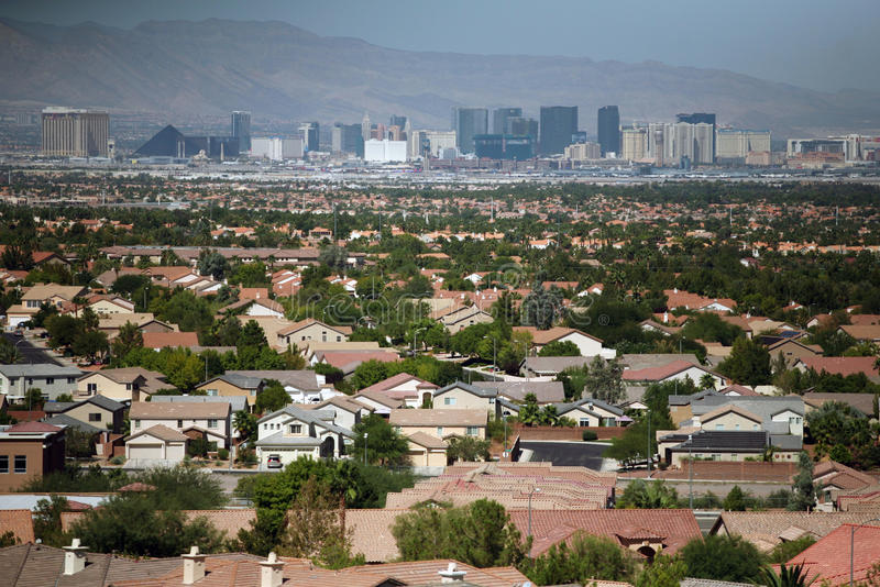 Las Vegas-Skyline und -häuser stockfotografie
