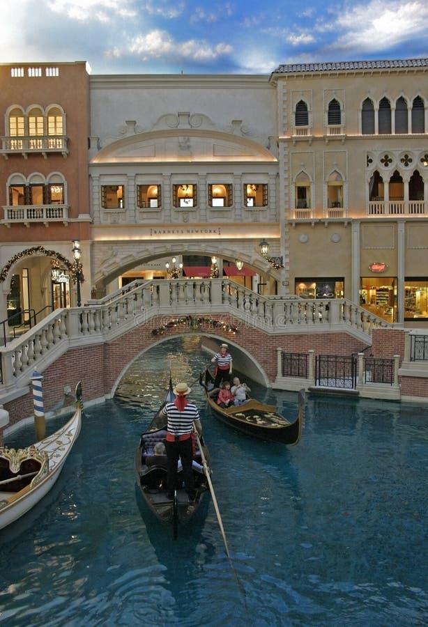 Las Vegas, USA - Desember 03, 2009: Kasino venetianisch Das venetianische Hotel und die Replik eines Canal Grande in Las Vegas lizenzfreie stockfotos