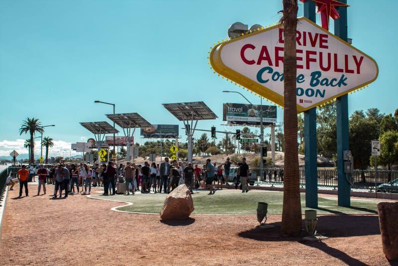 Las Vegas-Zeichen hinter der Szene Las Vegas, Nevada, USA 10/22/2018 stockfotografie