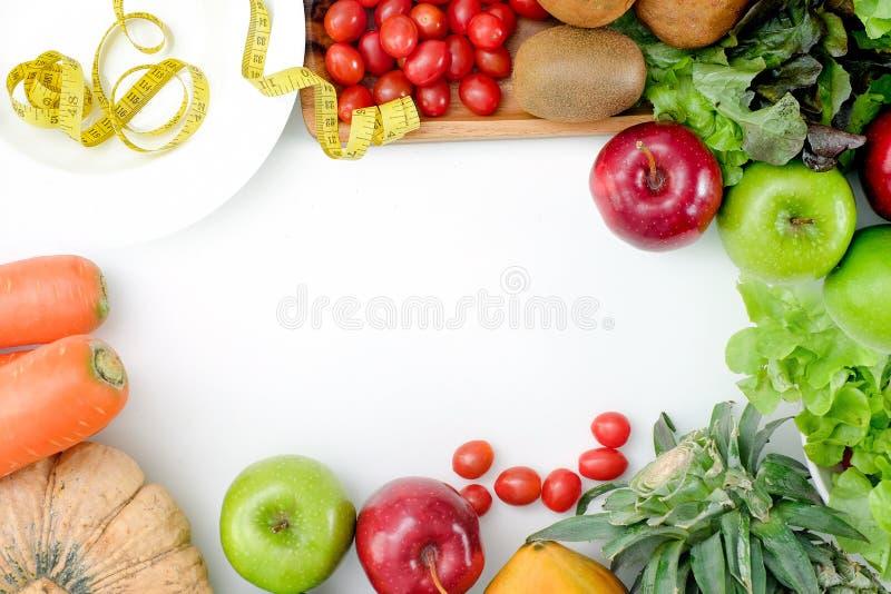 Las verduras sabrosas frescas de los productos bajos sanos de los carburadores ADIETAN PLAN fotografía de archivo libre de regalías
