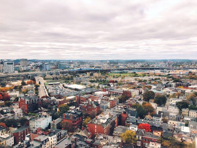 Las visiones desde el top del monumento del Bunker Hill en Boston imagen de archivo libre de regalías