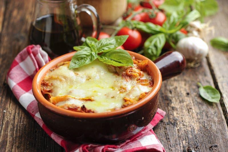 Lasagna's bolognese stock afbeeldingen