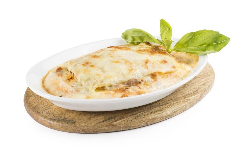 Lasagne avec le poulet et les champignons de couche photographie stock