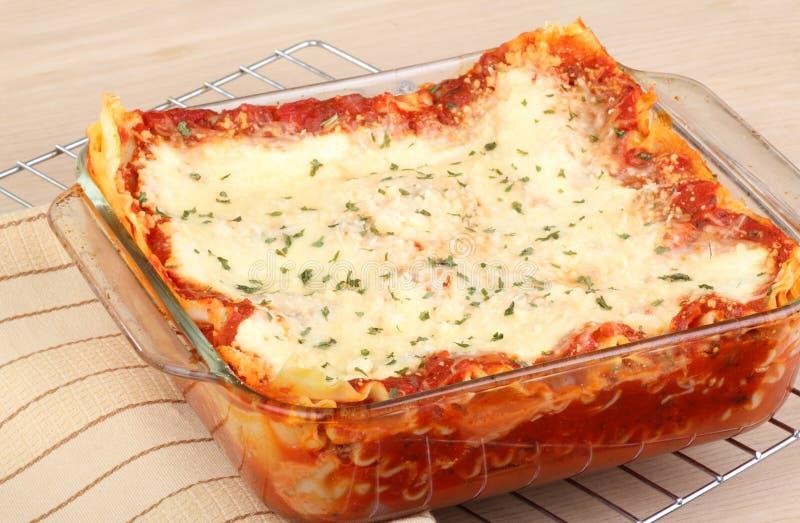 Lasagne cuit au four photos libres de droits