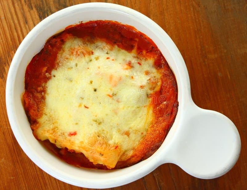 Lasagne cuit au four photo libre de droits