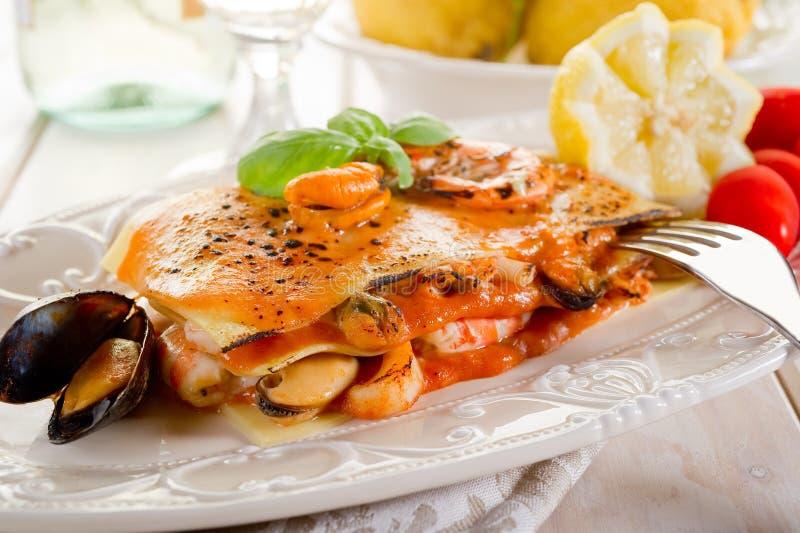 Lasagne de poissons photo stock