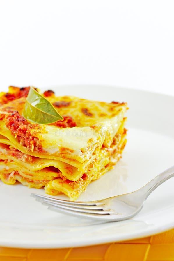 Lasagne, ein klassischer italienischer Teigwarenkasserolleteller lizenzfreies stockfoto