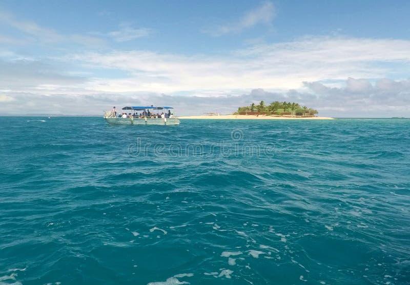 Lasciare l'isola di mari del sud, Mamanucas, Figi fotografia stock
