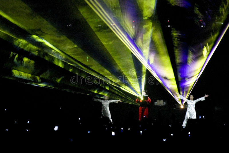 laser-deltagareshow arkivfoto