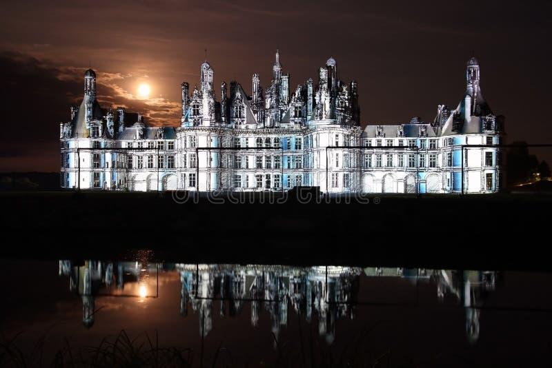 Laser-Erscheinen auf Chateau de Chambord, Frankreich stockbild