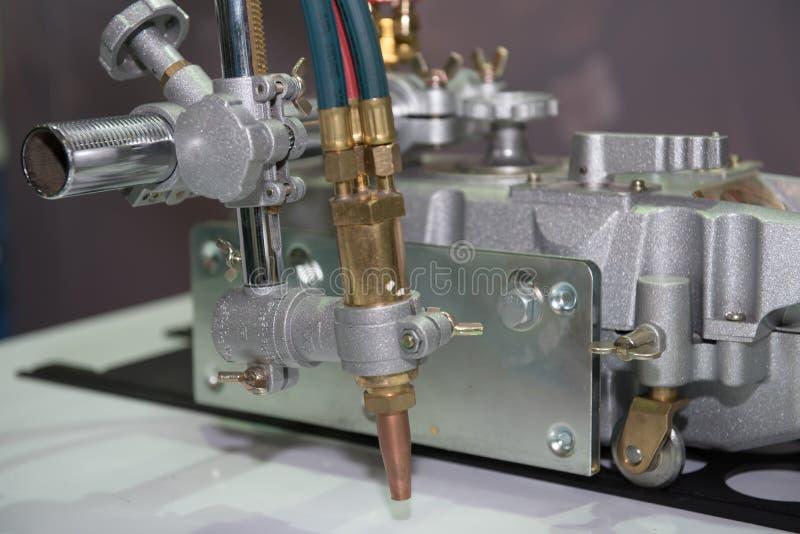Laser-maskin för att klippa för tillverkningen arkivbilder