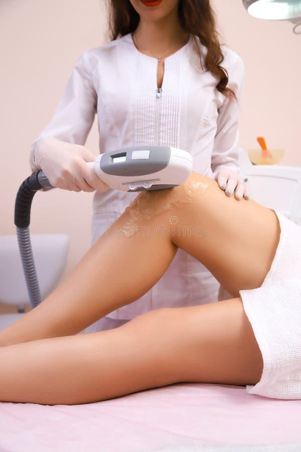 Laserowa epilacja i kosmetologia obrazy royalty free