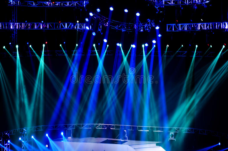 laserowa promieni światło reflektorów scena zdjęcia stock