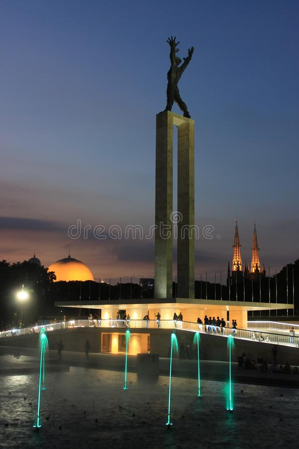 Laserowy przedstawienie w Zachodnim Papua niezależności zabytku w Dżakarta, Indonezja zdjęcia stock