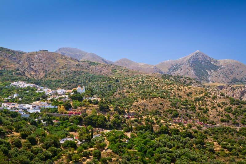 Lasithi berg på öst av Crete arkivfoto