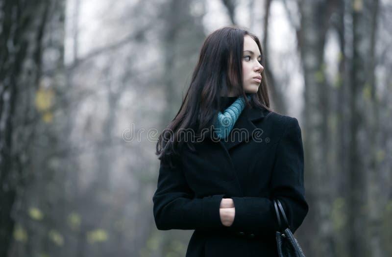 lasowa osamotniona kobieta obraz stock