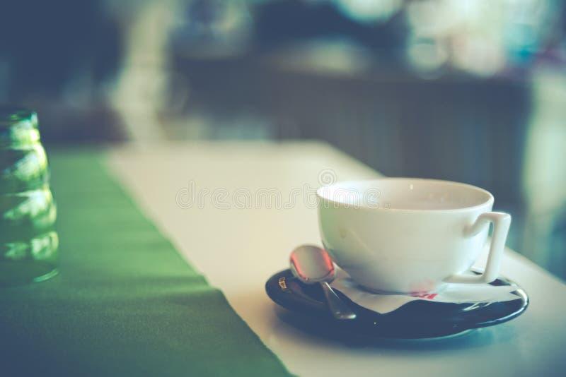 Lassen Sie uns trinken einen Kaffee und genießen lizenzfreies stockbild