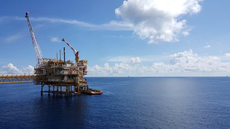 Last för tillförselfartygöverföring till fossila bränslenbransch arkivbild