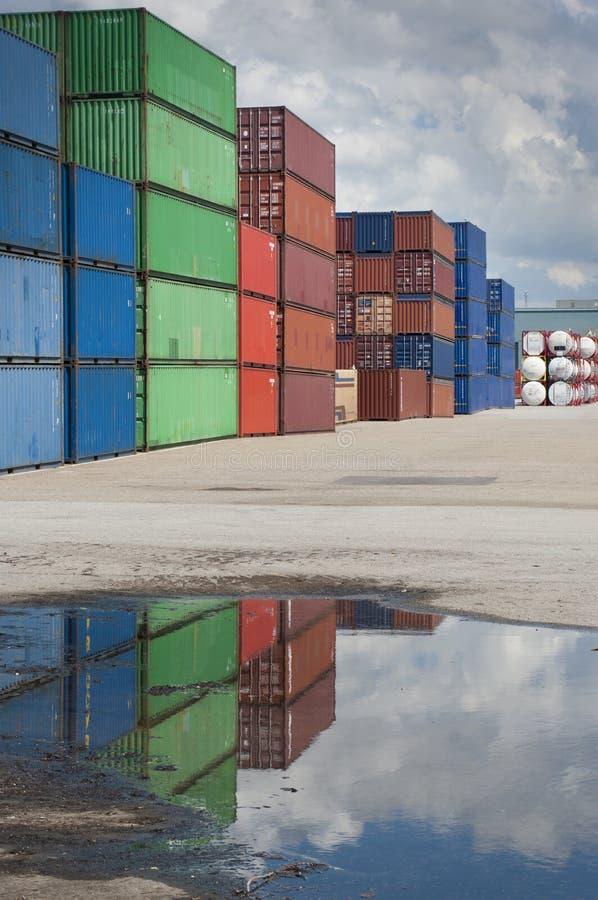 Download Lastbehållare arkivfoto. Bild av last, fördelning, lager - 27281710
