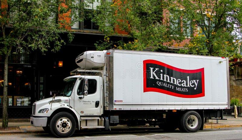 Lastbil för Kinnealey kvalitets- köttleverans royaltyfria bilder