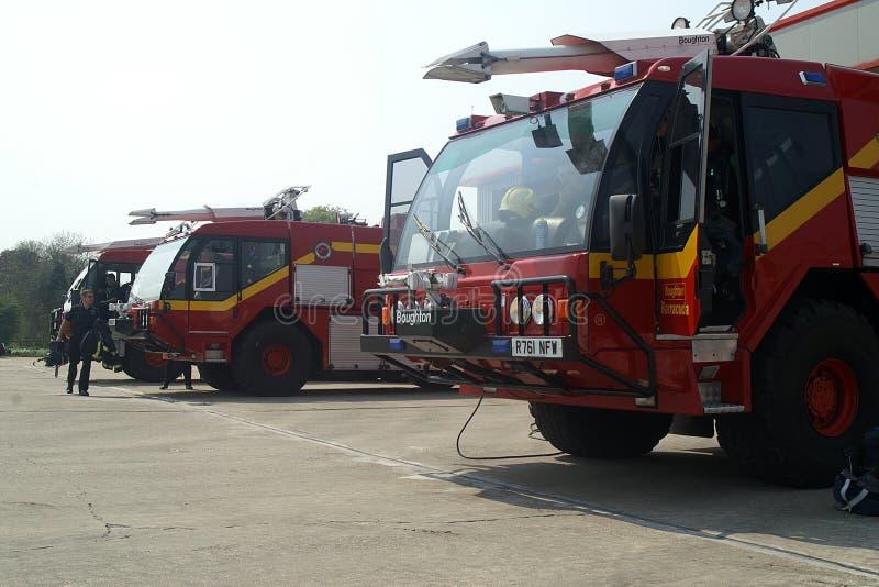 lastbil för station för klartecken för garage för motorbrand arkivfoton