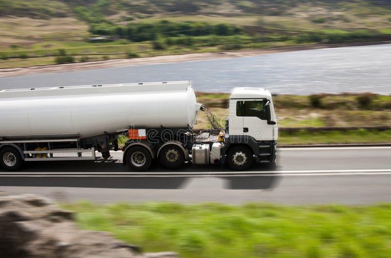 lastbil för tankfartyg för bränslegas arkivbild