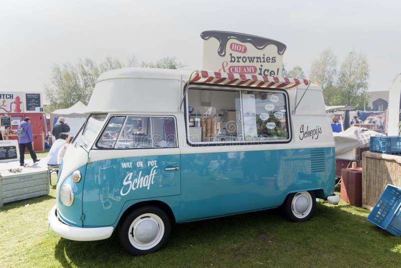 Lastbil för Volkswagen t1-glass arkivfoton