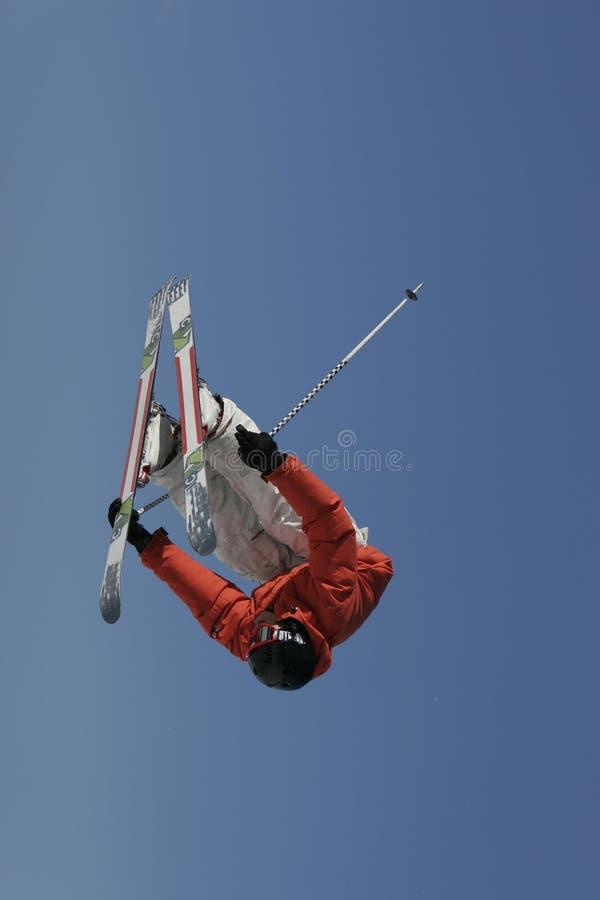 Lastbilsförare inverterad Skier arkivfoton