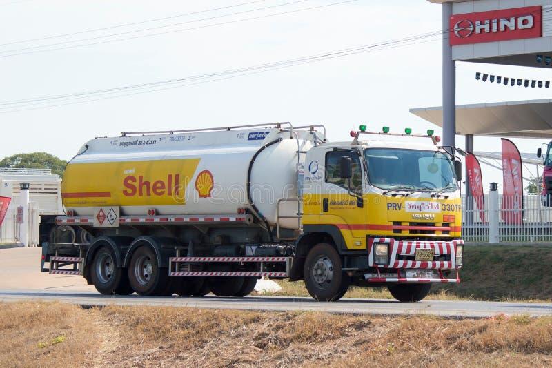 Lastbiltransportolja av skalföretaget royaltyfria foton