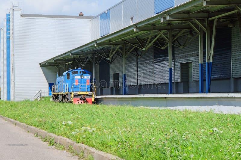 Lastlager med järnvägen arkivbild