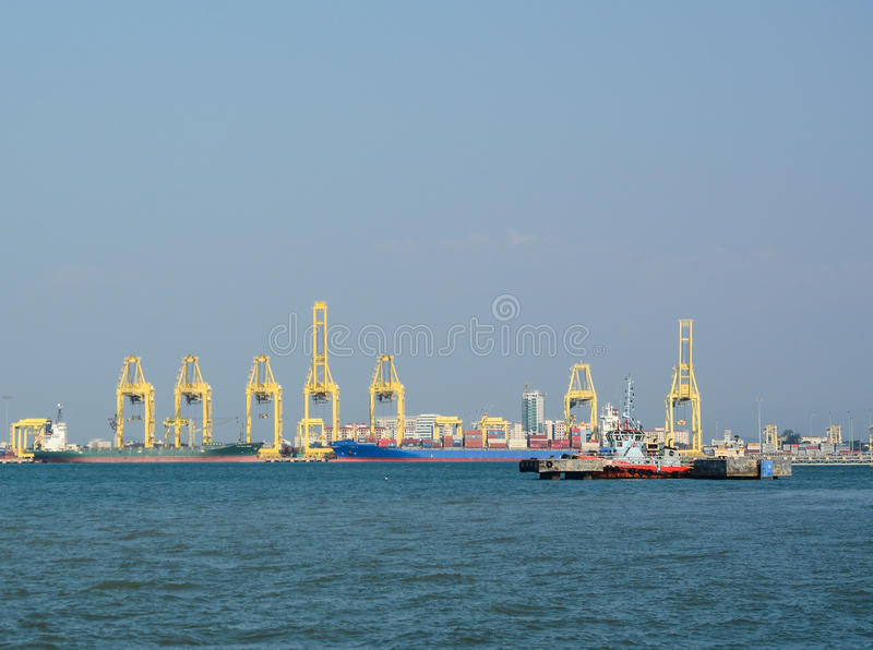 Lastport i Penang, Malaysia royaltyfri bild