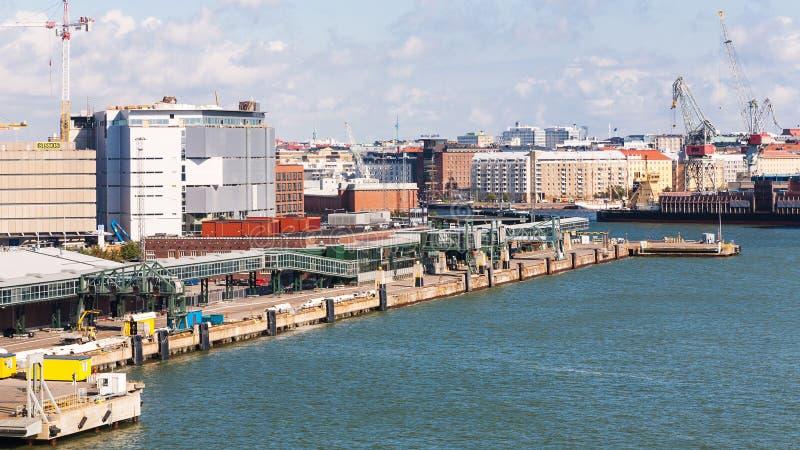 Lastport i västra hamn av Helsingfors royaltyfria bilder