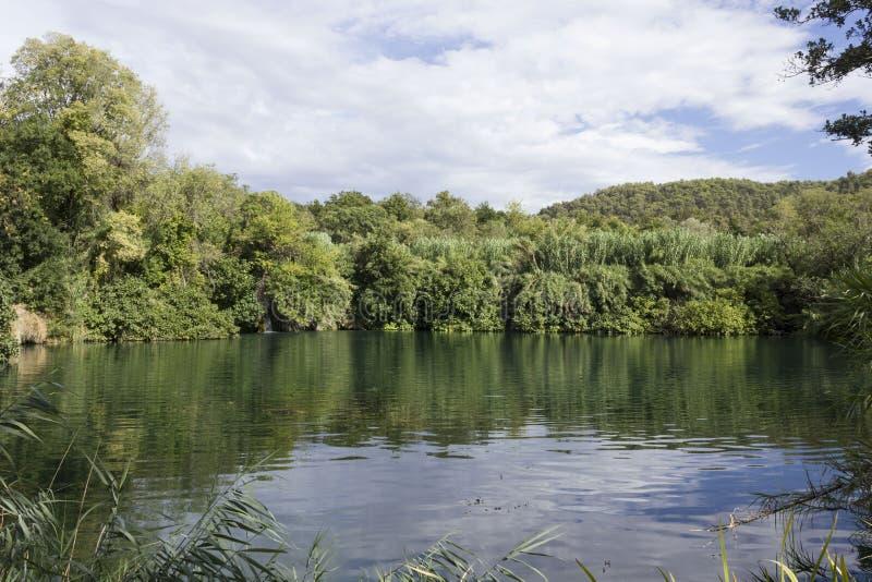 Lasy i wodna rezerwa Krka park narodowy w Sibenik, Chorwacja zdjęcia royalty free