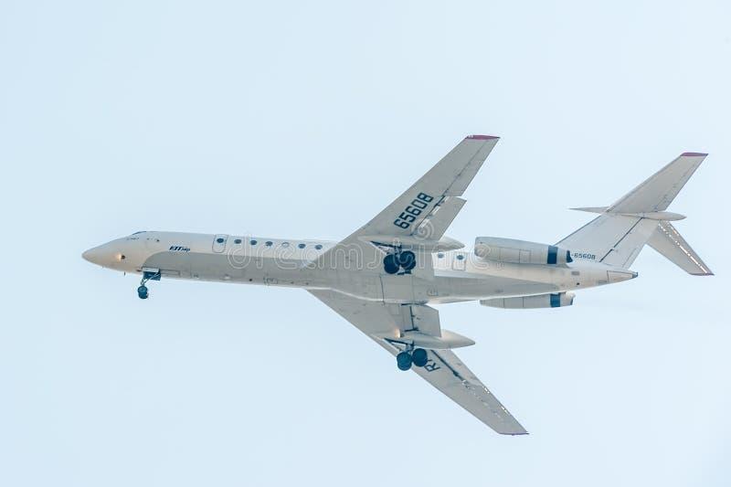 Latać Tu-134 Utair firma fotografia stock