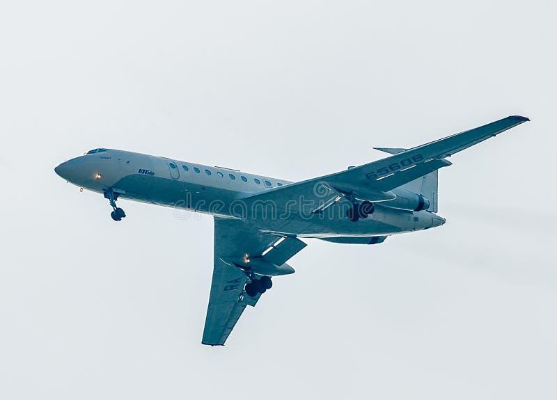 Latać Tu-134 Utair firma obrazy stock
