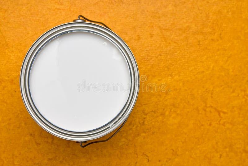 Lata da pintura fotos de stock