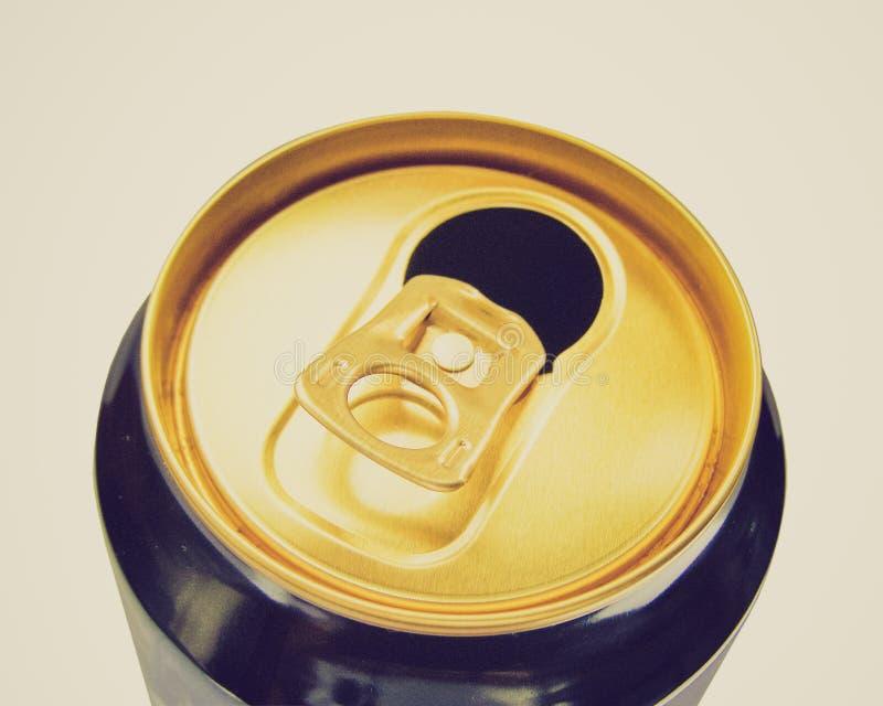 Lata de cerveza retra de la mirada foto de archivo