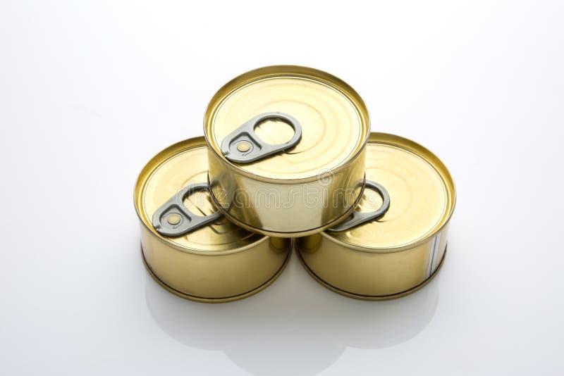 Lata de la comida en fondo aislado blanco foto de archivo libre de regalías