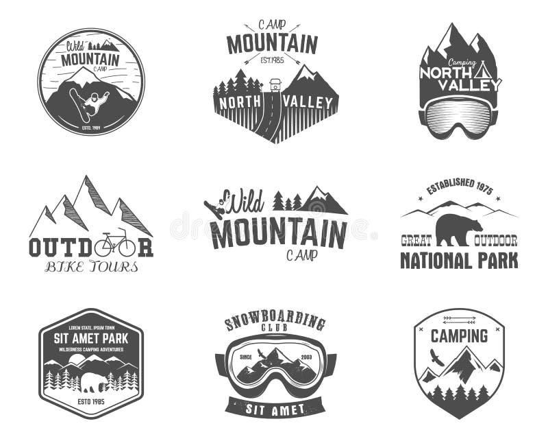 Lata i zimy badacza obozu halna odznaka, logo etykietki szablony ustawiający Podróż, wycieczkujący, wspinający się styl Snowboard royalty ilustracja