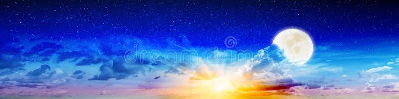Lata piękna księżyc i nocne niebo obrazy royalty free