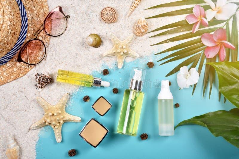 Lata skincare twarzowa ochrona, słońce ochrona z Pustymi etykietka kosmetykami butelkuje zbiornika obraz royalty free