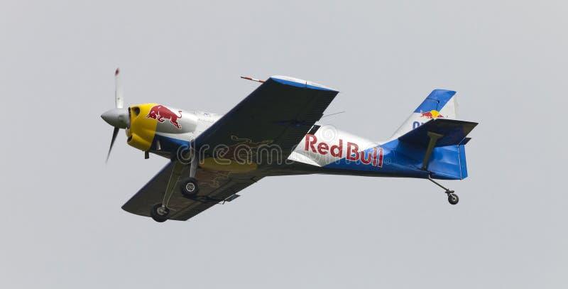 Download Latająca Byków Aerobatics Drużyna Na Airshow Zdjęcie Stock Editorial - Obraz złożonej z jethro, prędkość: 57661603