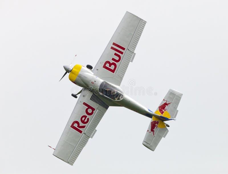 Download Latająca Byków Aerobatics Drużyna Na Airshow Zdjęcie Stock Editorial - Obraz złożonej z przedstawienie, post: 57661698