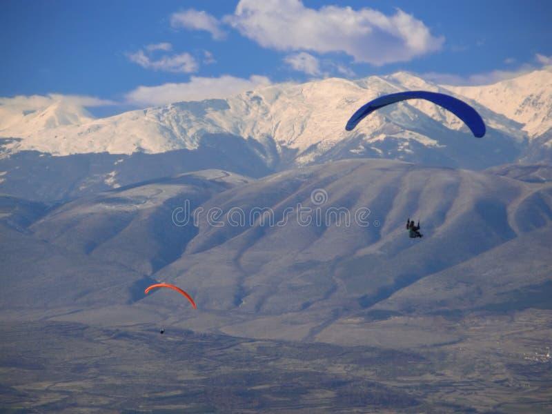 latający szybowce Macedonii ponad Para zdjęcie stock