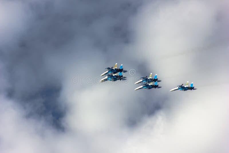 Latający wojownicy w niebie zdjęcie stock