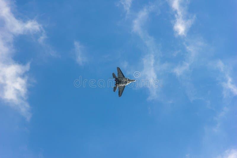 Latający wojownik w niebie zdjęcia royalty free