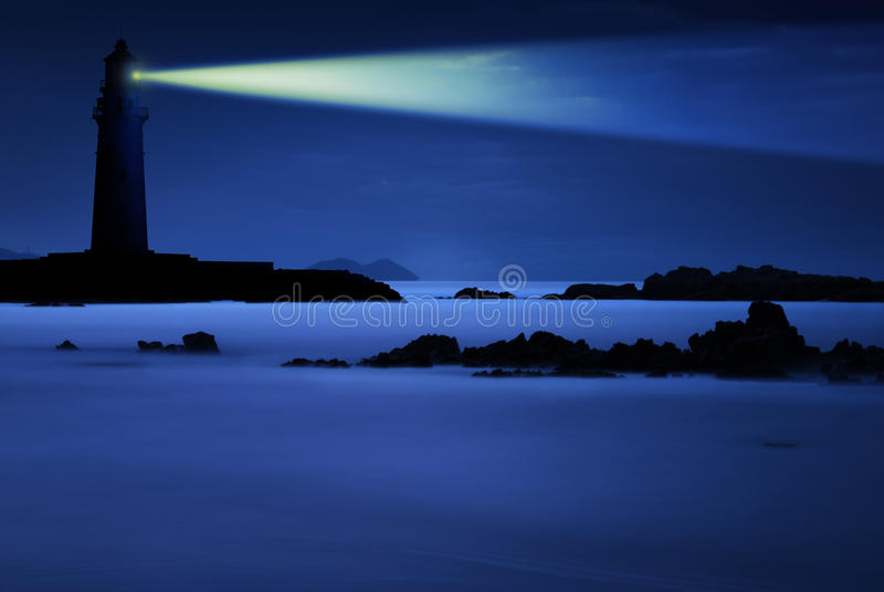 latarni morskiej noc obraz royalty free